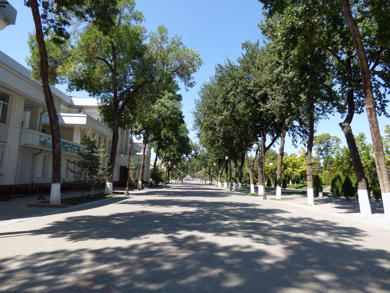 A virtually deserted park in central Tashkent