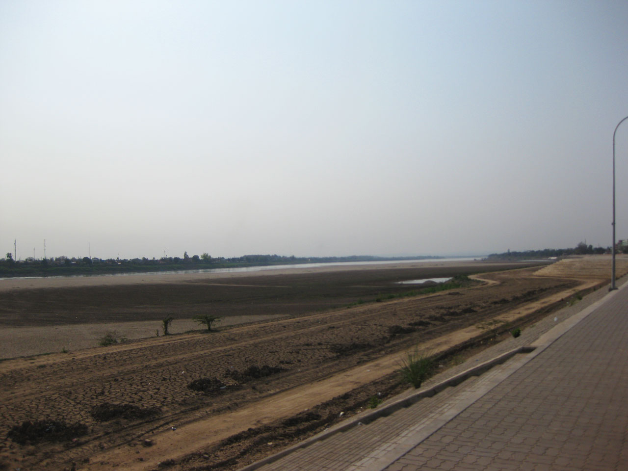 The Mekong river in Vientiane, marking the border with Thailand