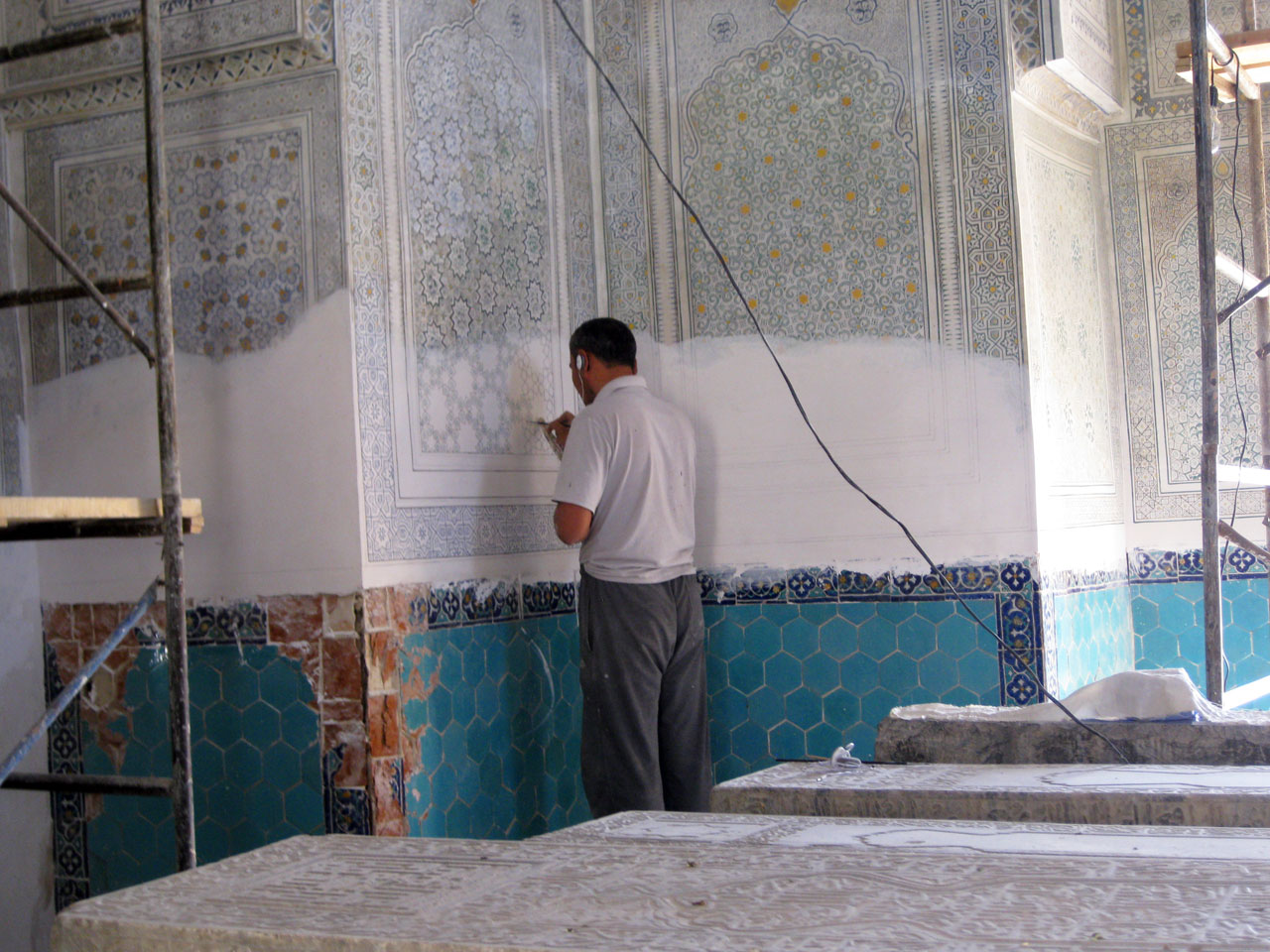 Restoration work at Gumbazi Seyidan mausoleum, Shakhrisabz